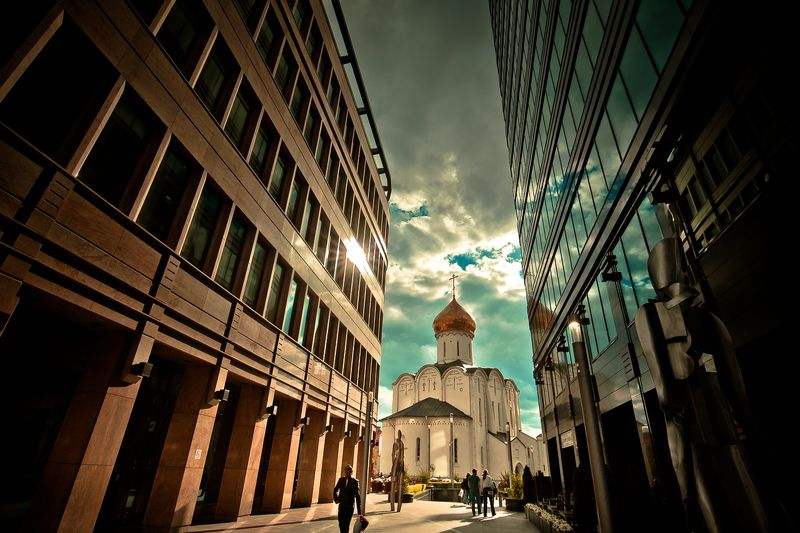 #religion #cherch #PhotoByDmitryGorkovets #cityscapes #moscow #russia На стыке эпох.photo preview