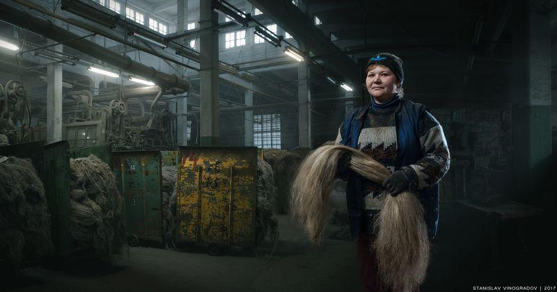 портрет, профессии, постер, календарь, ремесло, ремесла, завод, цех, женщина, труд, производство Работник льночесальной фабрикиphoto preview
