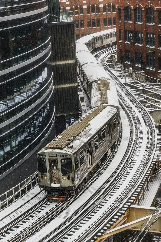 train, winter, chicago, snow, snowfall, epic, dramatic, lights, city, architecture, street, The S Trainphoto preview