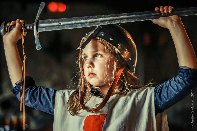 #photobydmitrygorkovets #portrait #childphotography #knight #girl Sad Knight. Рыцарь печального образа.)photo preview