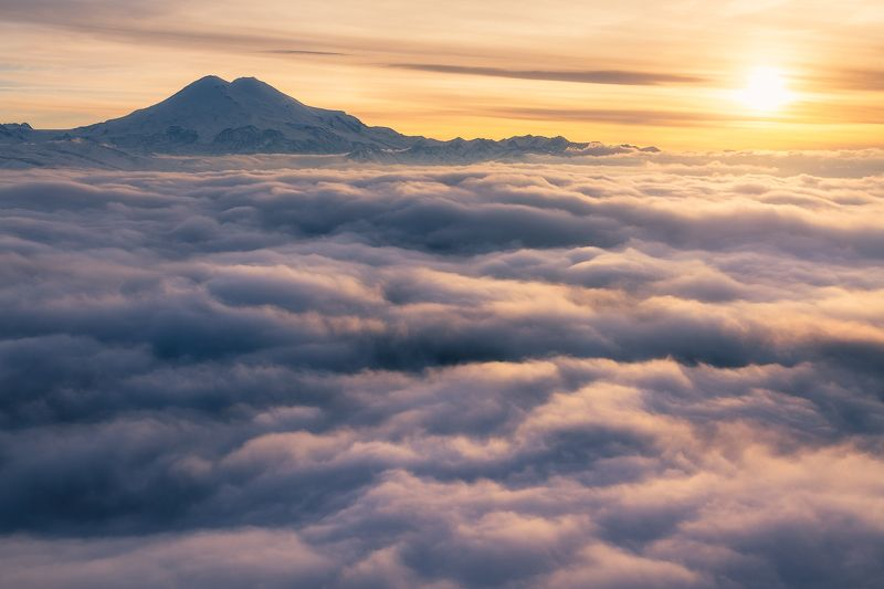 Эльбрус с плато Канжол, Кабардино-Балкарияphoto preview