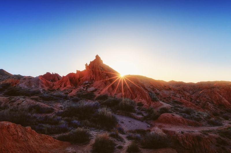 киргизия, долине, сказок Последние лучи солнца в Долине сказок / Киргизияphoto preview