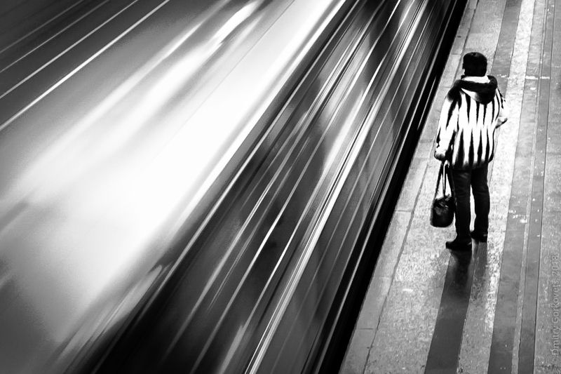 #photobydmitrygorkovets #moscow #moscowsubway Moment. Moscow subwayphoto preview