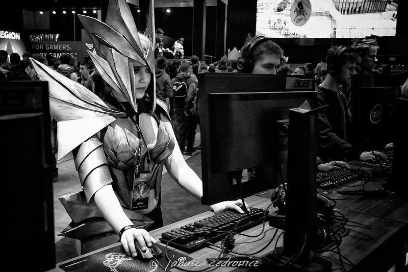 iem,intel, extreme, masters, katowice, silesia, computer, games, gaming, esport, esl, cosplay, cosplayer intel extreme masters katowicephoto preview