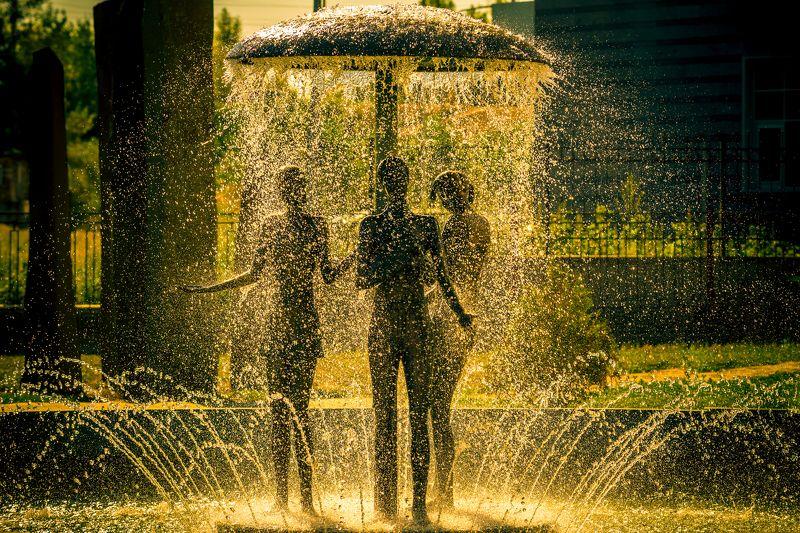 киев. оболонь. фонтан Закатнаяphoto preview
