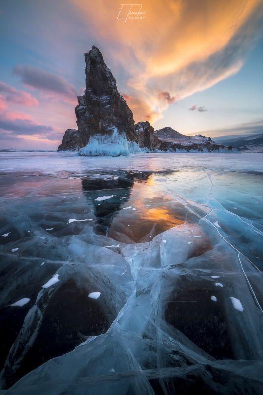 байкал, закат, снег, лед, ольтрек, уюга, курма, небо, свет, отражение, трещина Отблеск закатного Байкалаphoto preview