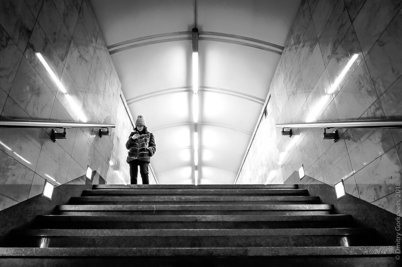 #photobydmitrygorkovets #streetphotography #moscow #russia #moscowsubway Stairwayphoto preview