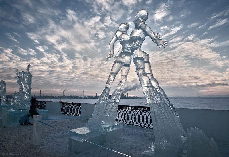 лёд, скульптура, зима, пейзаж, город Их души рвались ввысь, сердца соединились...photo preview
