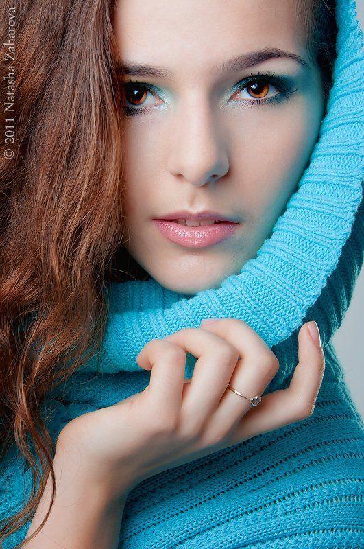 Девушка в голубомphoto preview
