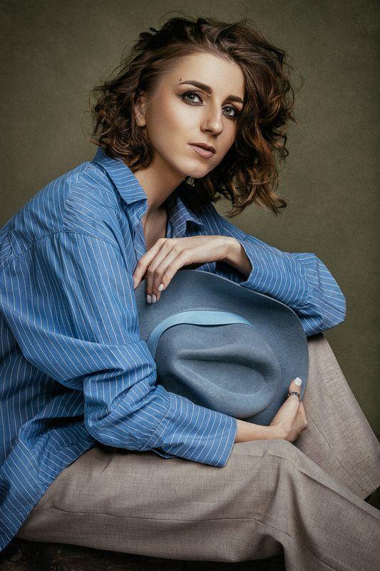 певица, девушка, студия, портрет, картина, классика Певица Аннаphoto preview
