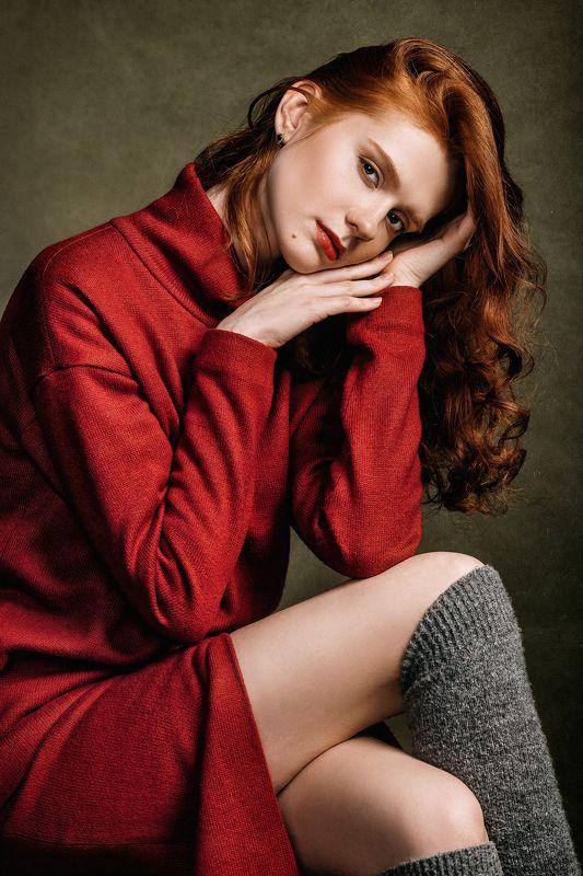 девушка, портрет, красный, рыжая девушка, волосы, студия Lady in redphoto preview
