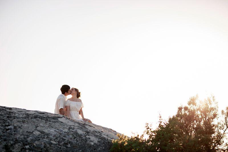 love story, фотосессия, крым, предсвадебная фотосъемка, свадебная, горы, гора крокодил, пара, любовь, фотограф, симферополь, бахчисарай, нежность, романтика, весна, виды, природа, закат, история любви История любвиphoto preview