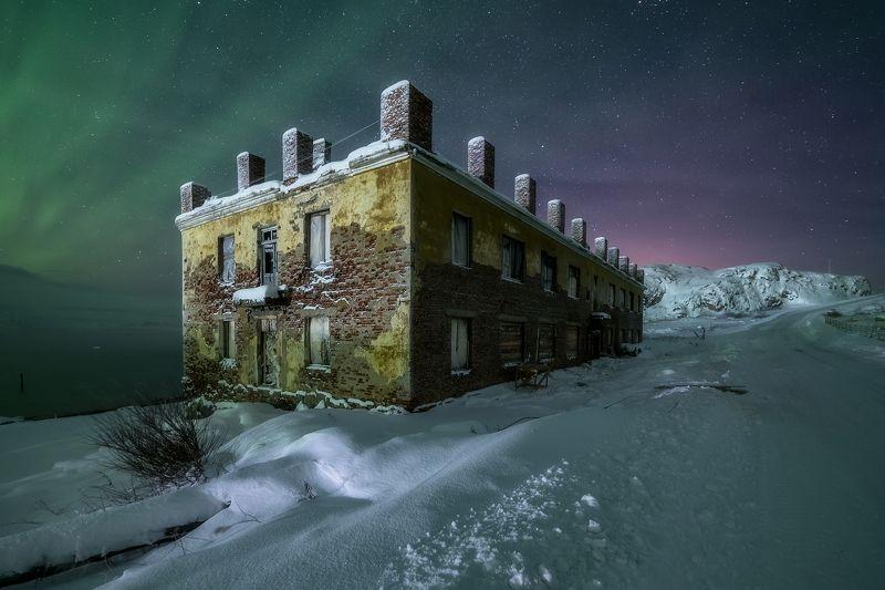 Дом-призракphoto preview