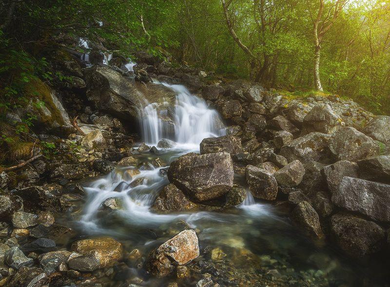 Mountain streamphoto preview