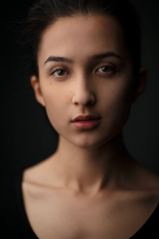 портрет, девушка, студия Лазизаphoto preview