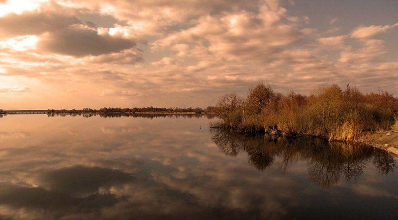 весна, природа, пейзаж, озеро Вечереет...photo preview