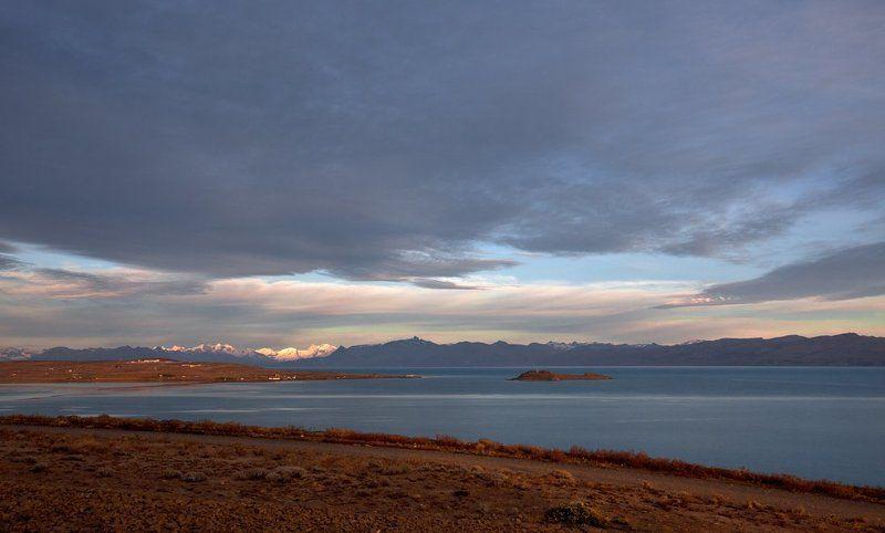 восход на озере Архентиноphoto preview
