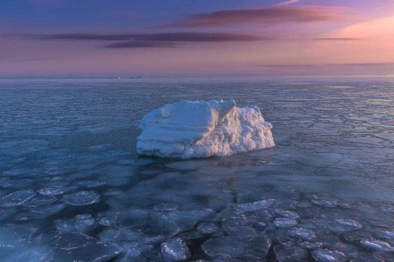 охотское море, лед, зима, мороз, море, ледостав, север, льдины, айсберг, сахалин, охотоморье, сахалинская область, зимовка на сахалине, photojourneysru Almost frozenphoto preview