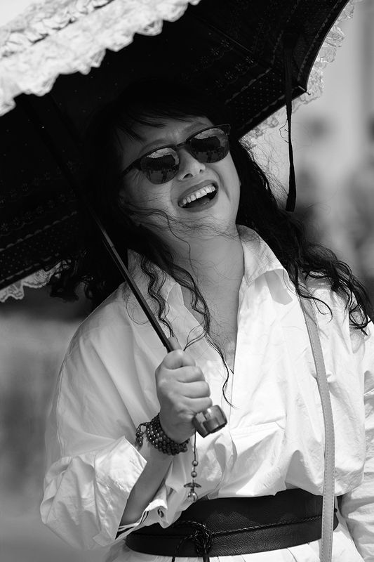 streetphoto, портрет, portrait, елена белова Под зонтикомphoto preview