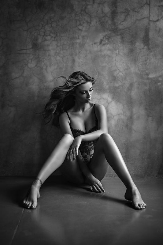 sexy, portrait, black, white, b&w, girl, hair, studio, light, beautiful, eyes Vikiphoto preview