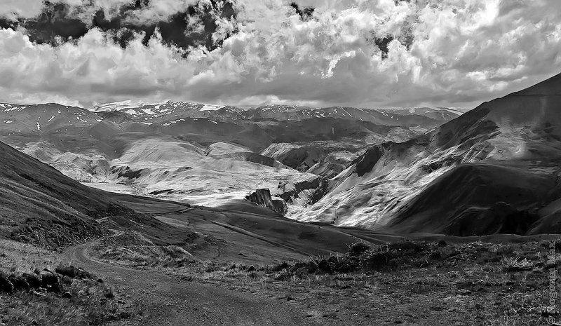 кавказ, приэльбрусье, горы Ч/б Начало путиphoto preview