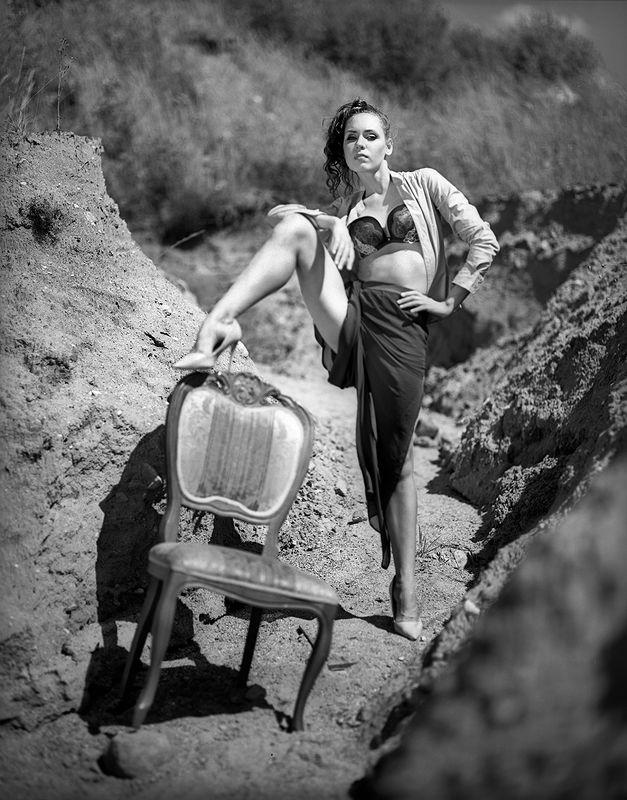 medium format, film 120, fashion, beauty, монохромная, 6х7, плёнка, аналоговая, классическая, лето, песок, девушка, романтическая, концептуальная, чёрно-белая, davydov * * *photo preview