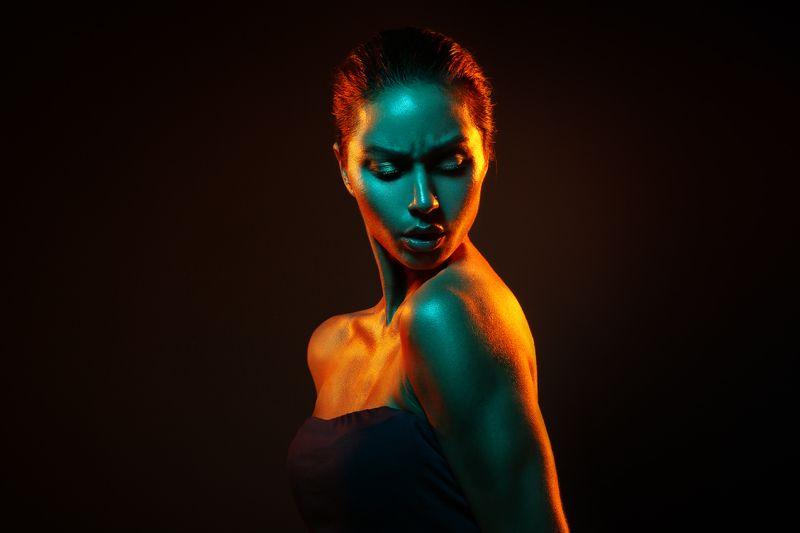 портрет, девушка, студия Каролинаphoto preview