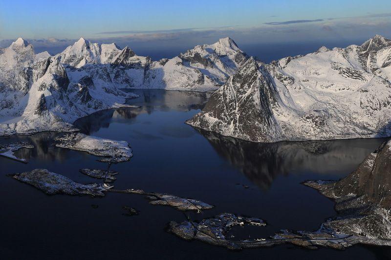 путешествие, лофатены, норвегия, горы, lofoten, norway, flight, travel Над лофатенамиphoto preview