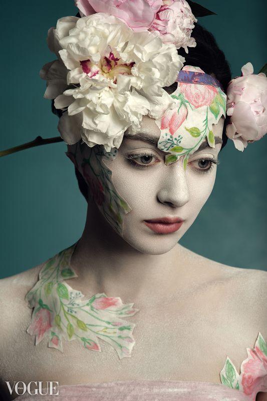 fashion, fine-art, painting, art, story, conceptual, concept, beauty, love, flower Empereur de la Fleurphoto preview