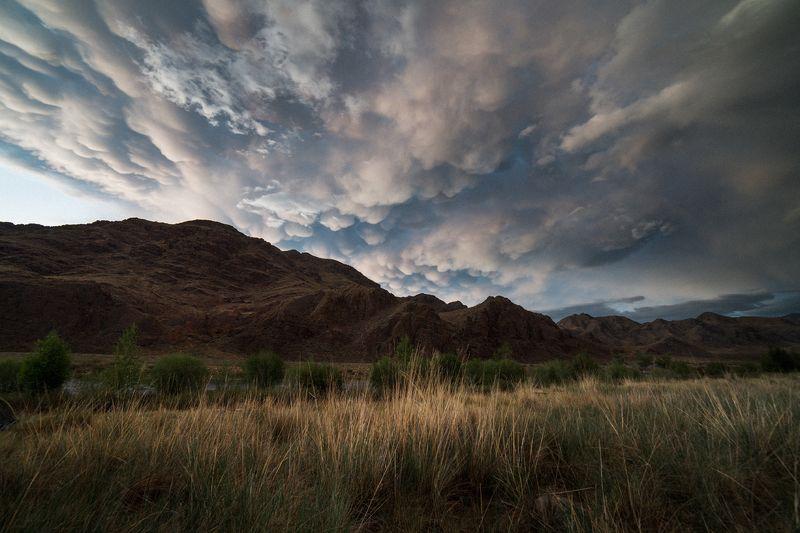 путешествия, тыва, туризм, исследование, пейзаж, горы, река, хайкинг, облака, сибирь, тува, алаш Небо поможет нам!photo preview