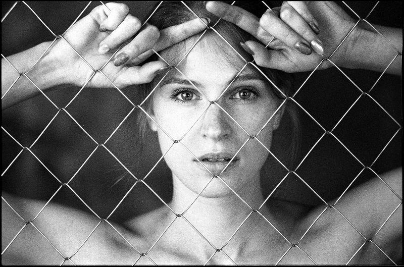 bw film portrait girl  T e t a t e tphoto preview