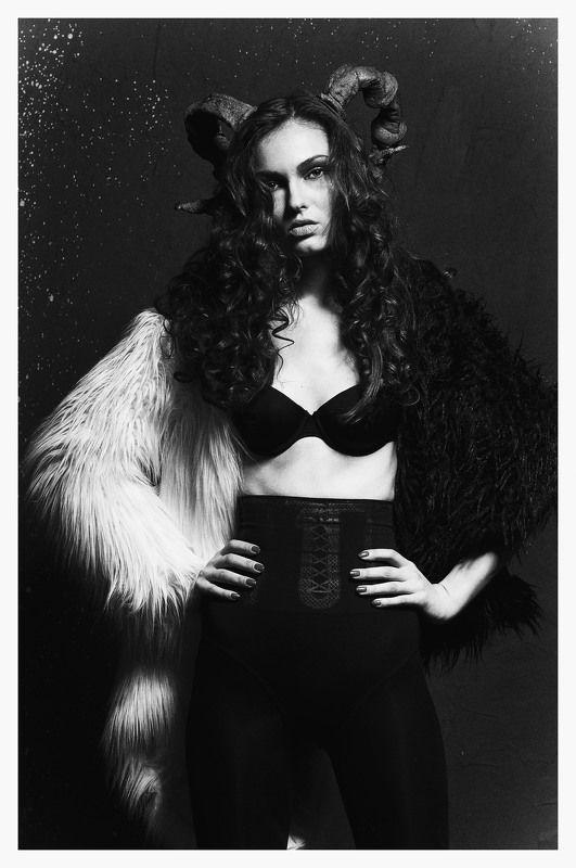 #face #monochrome #nude #body #skin #sepia #sexy #erotic #eye #toned #image #human #face #sleep #girl #model #fashion young light #women #cute #black #eyes #hair #white #beautiful #beauty #franpolonskiy #france #franpolonskiyphotographer #phfranpolonskiy  [ Elena ]photo preview