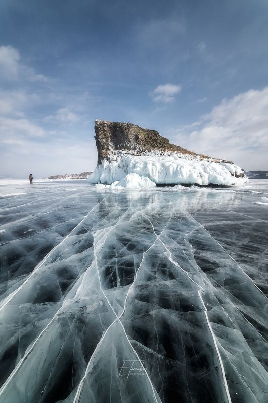 байкал, зима, лед, снег, облака, остров, день, ольхон, мыс Прогулка у мыса Кобылья Головаphoto preview