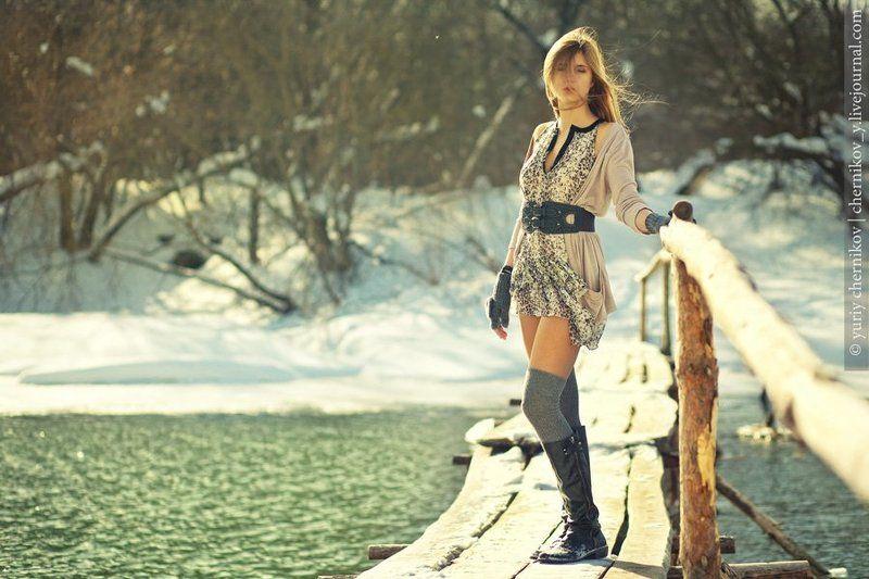 девушка, зима, река, мост photo preview