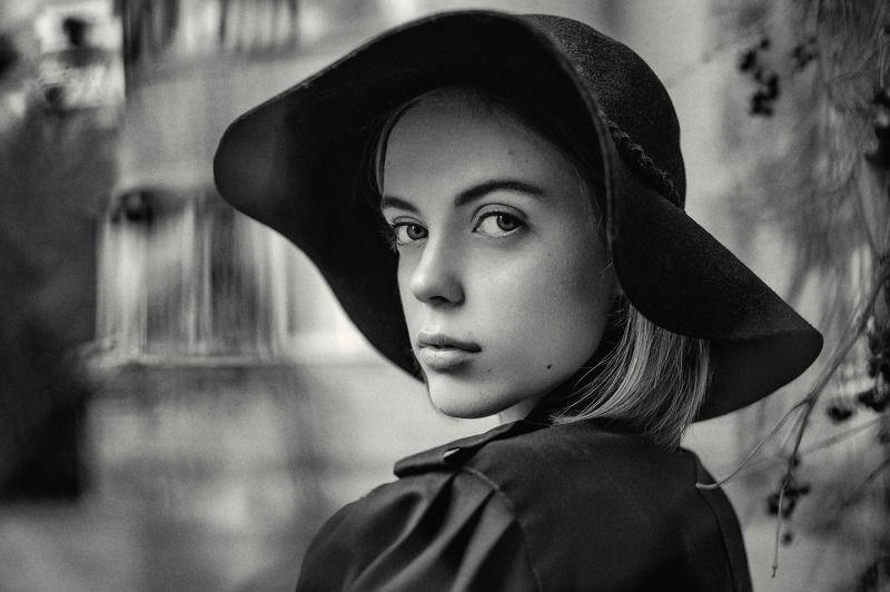 #franpolonsky #phfranpolonsky #franpolonskyphotographer #photo #face #monochrome #bw #blackandwhite #portfolio # portrait #girl #woman #mood #streetphoto #streetstyle #bestphoto #ukraine #tfp #hair #lips #портрет [ Alex Vicol ]photo preview