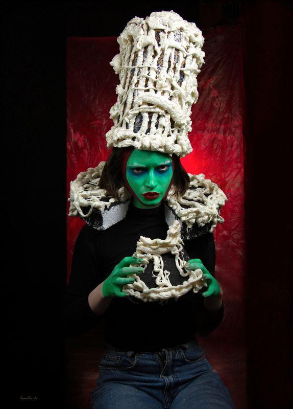 портрет, торт, грим, визаж, эмоция, зеленый, юмор, сарказм, фотокузница, ivankovale Медуза и Миндальphoto preview