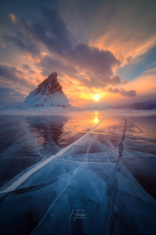 байкал, зима, лед, снег, облака, остров, закат Байкальские треугольникиphoto preview