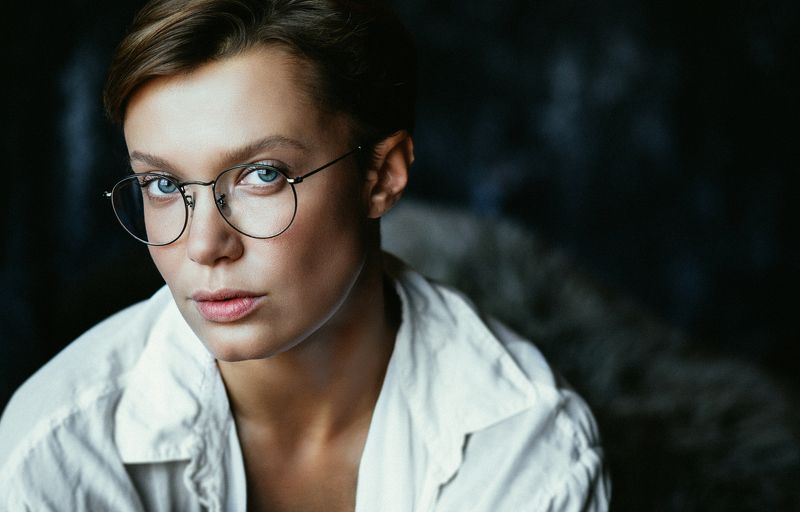 girl, portrait, color, woman, emotions, eyes, face, photo, moscow, people, light Portraitphoto preview