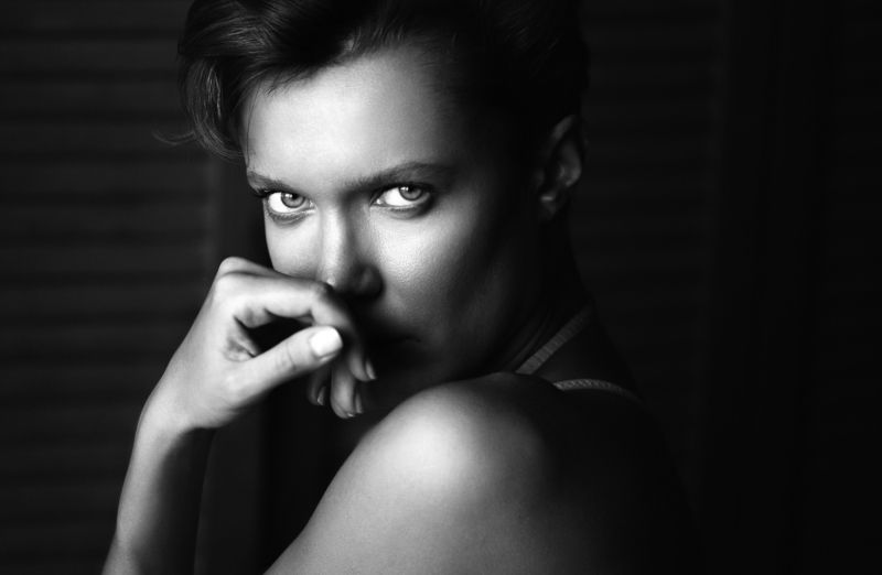 girl, portrait, bw, woman, emotions, eyes, face, photo, moscow, people, light Одиночествоphoto preview