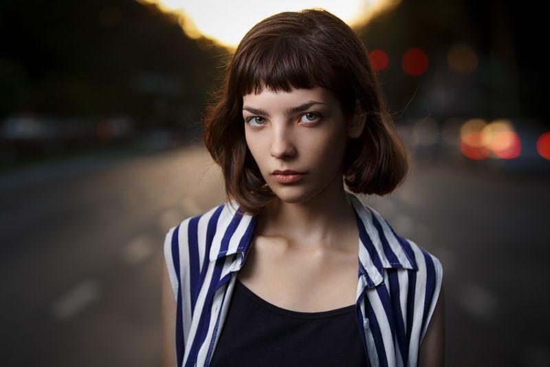 портрет, девушка, улица Виphoto preview
