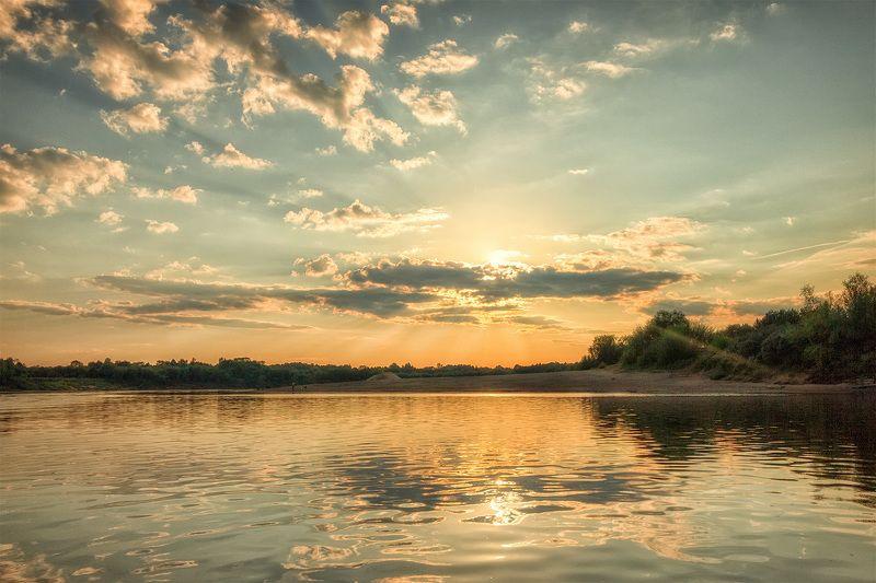 закат, лето, река, небо, облака, отражение, солнце Солнце угодило в сети...photo preview