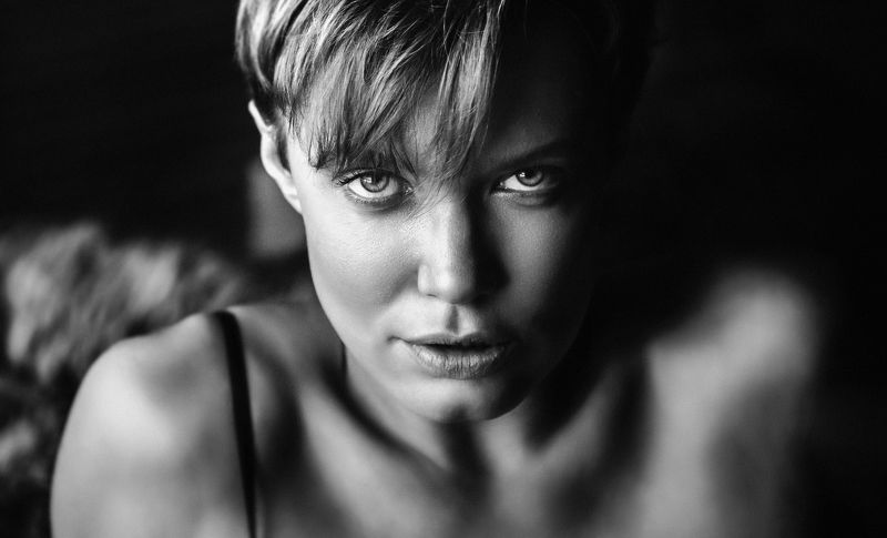 girl, portrait, bw, woman, emotions, eyes, face, photo, moscow, people, light Portraitphoto preview