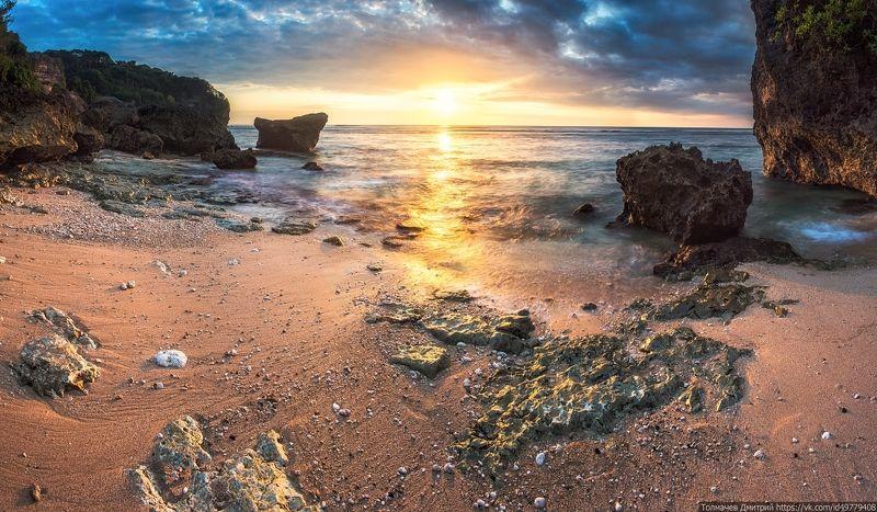 Улувату, пляж Бингин, 17 часов 51 минута...photo preview