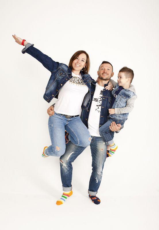 гордиенкоольга Мама, папа, я - спортивная семья. photo preview