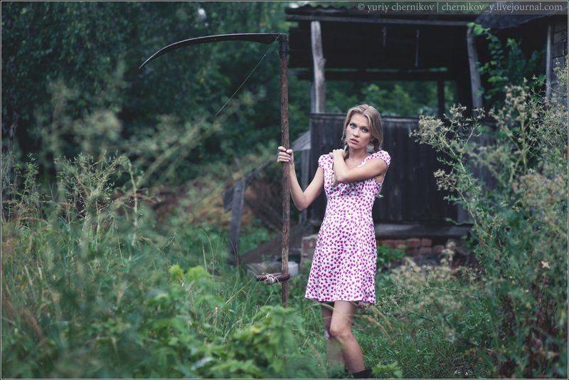 модель, лето, трава, деревня Villagephoto preview