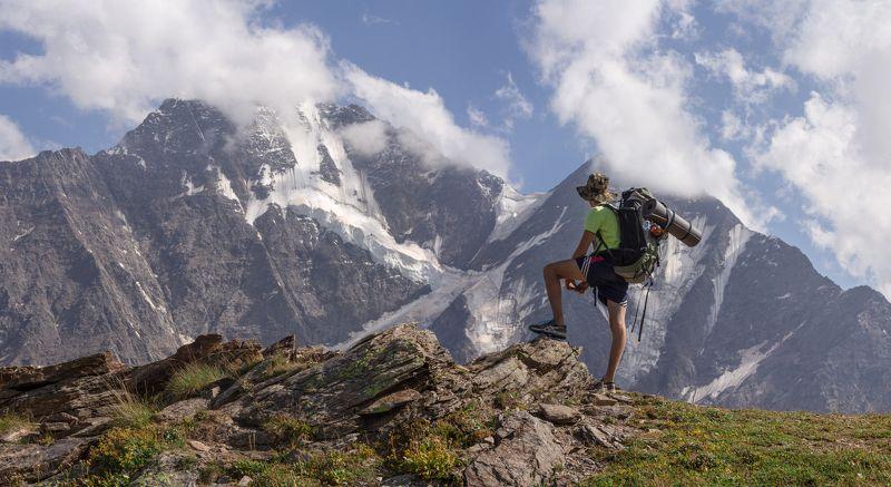 горы кавказ эльбрус путешествие чегет ледник закат Наблюдательphoto preview