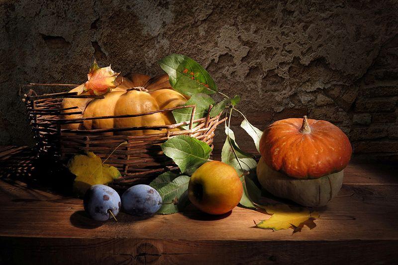 тыквы,яблоко,сливы,корзина,листья Про тыквы,яблоко и сливыphoto preview