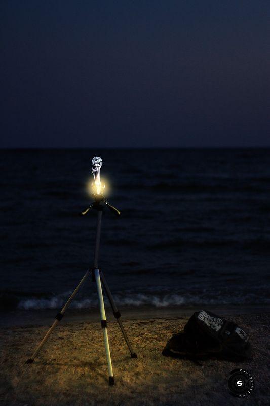 маяк, ноч, штатив, рюкзак, море, вода, волны, песок, свет, лампочка, лампа, вечер, ночь, небо, пляж, прибой Ночной маяк...photo preview