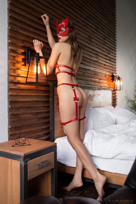 kiev, nu, nude, sexy, ukraine, girl, model, studio, light, red, lingerie photo preview