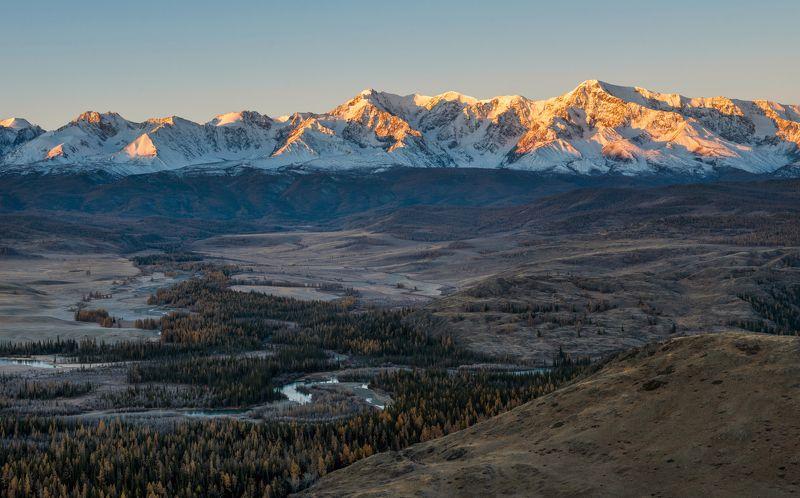 Северо-Чуйский на рассветеphoto preview